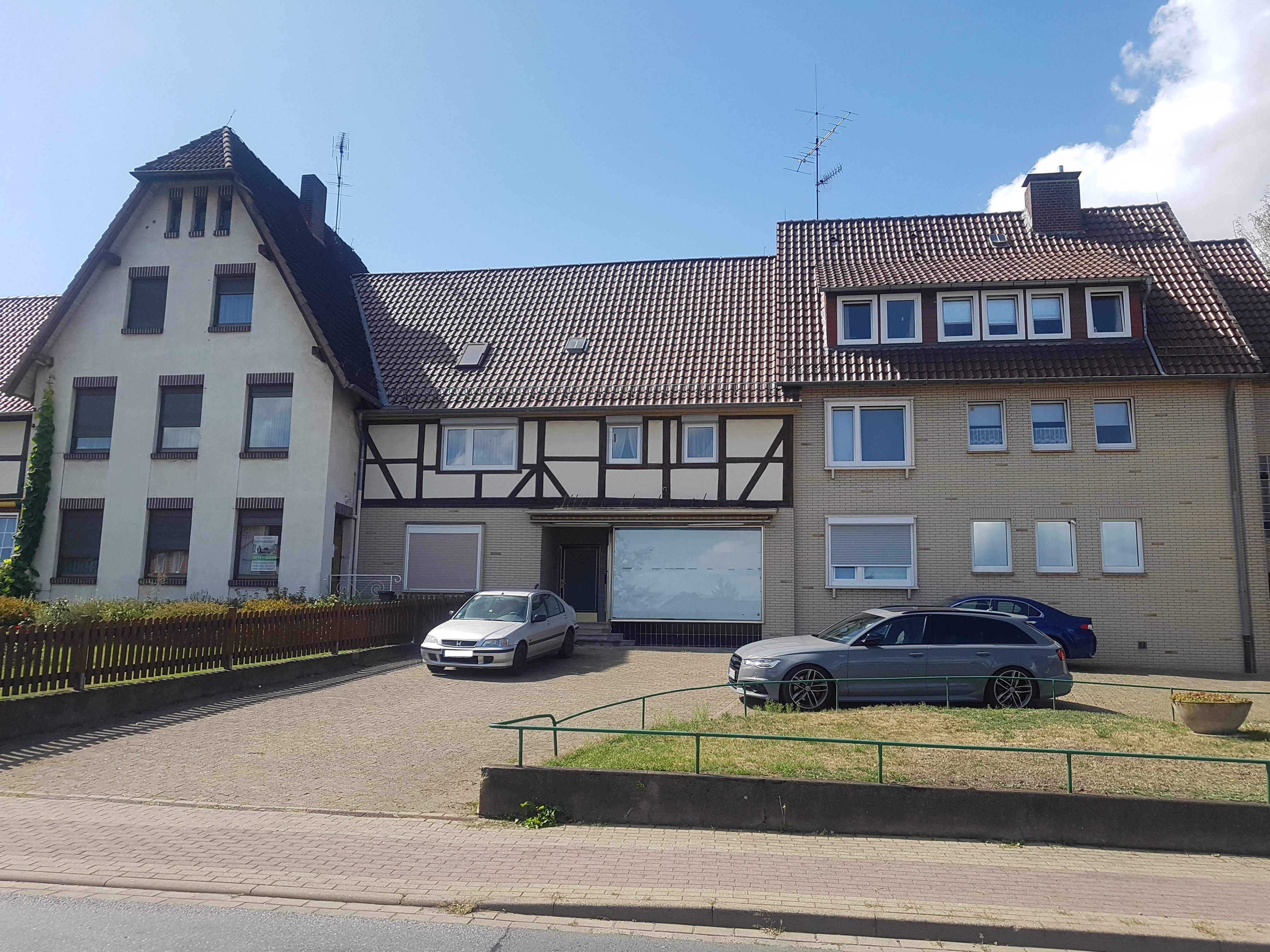Einfamilienhaus und Mehrfamilienhaus  mit viel Platz im Ortskern von Katlenburg-Lindau!